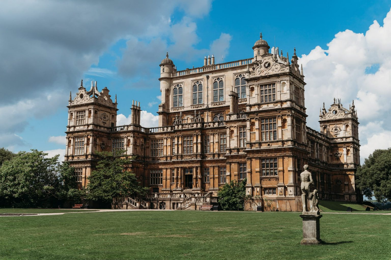 Stunning photo of Wollaton Hall in Nottingham